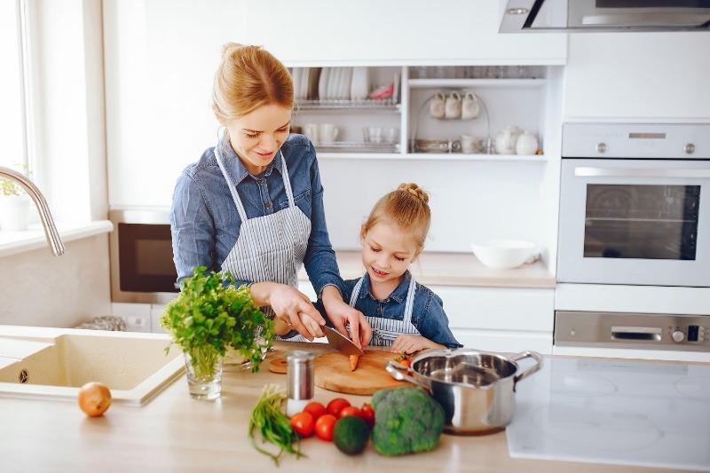 приготовление пищи вместе с детьми